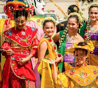 Baile y fiestas en Bali