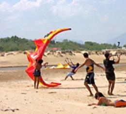 Deportes en la playa de Denia