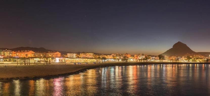 Spiaggia Javea con appartamenti per le vacanze